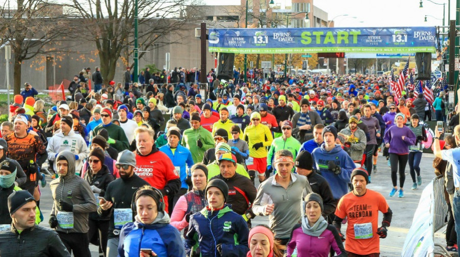 Start of the Syracuse Half Marathon